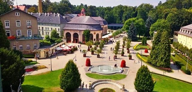 Centrum Wczasów Rehabilitacyjnych - turnusy w ośrodku Rajski Dom w Kudowie Zdroju